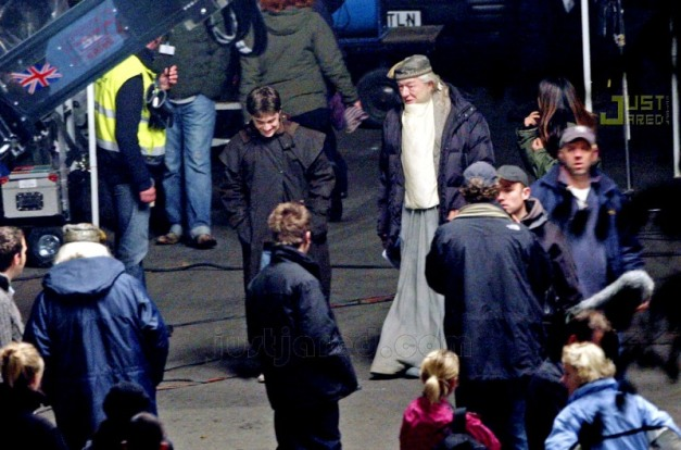 Daniel Radcliffe and Sir Michael Gambon during the HP6 shoot.