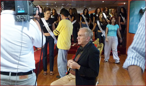 Osmel Sousa pensively examining the catwalks (and glides) of each contestant.