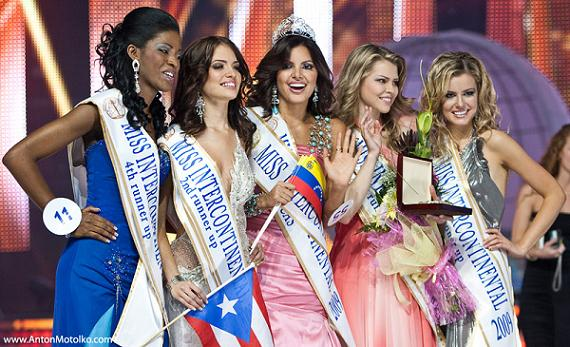 Miss Intercontinental 2009 and her court (photo courtesy of www.antonmotolko.com)