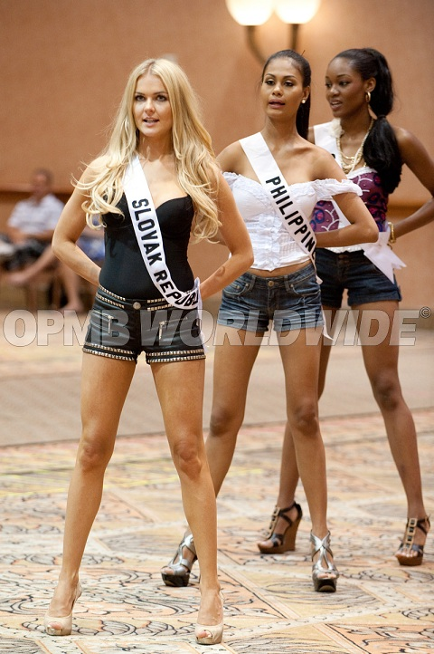 Want to watch the Miss Universe 2010 Preliminaries LIVE
