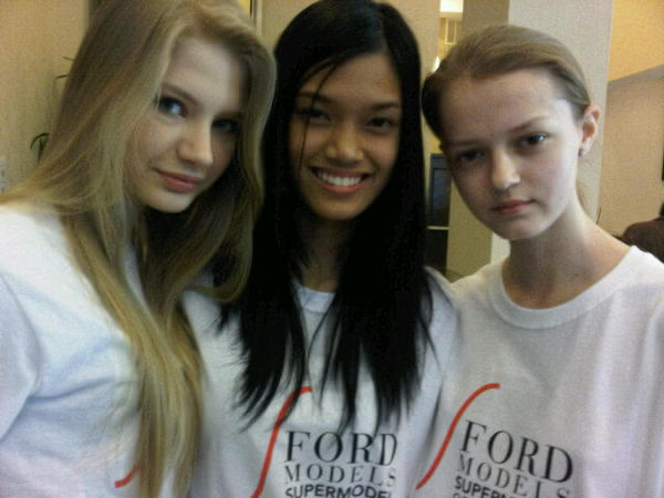Supermodel of the World 2010 winners (L-R) Lithuania (r.u.), Philippines (winner), Poland (r.u.)