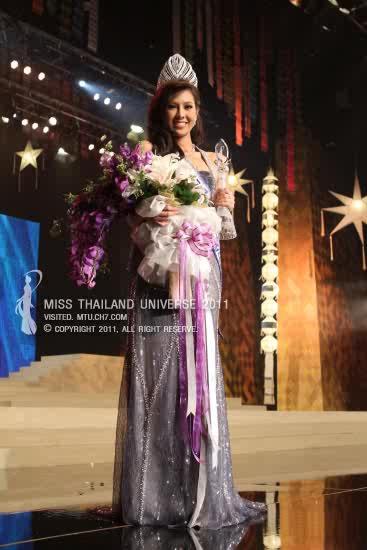 Chonburi's bet Chanyasorn Sakornchan was crowned Miss Thailand-Universe 2011 last night.