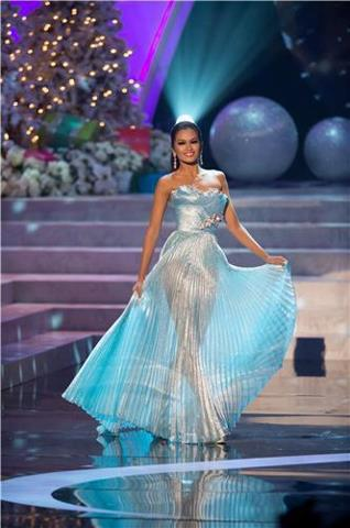 Given Janine Tugonon's great answer to the Final Q&A, she should have won the Philippines' 3rd Miss Universe crown. Tsk tsk tsk