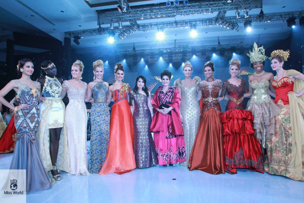 Top Models with their VIP Indonesian hosts.