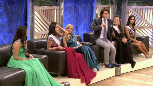 Ariella (first from right) guesting on Russian TV together with MU2013 and other candidates.