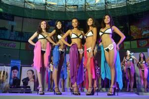 Eds Agustin (right on the middle) during Mutya ng Pilipinas 2013