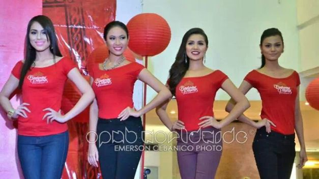 Carla (1st from left), with Liezel Ramos, Ladylyn Riva and Ainjely Manalo during the Farmers Mall event (Photo credit: Emerson Cebanico)