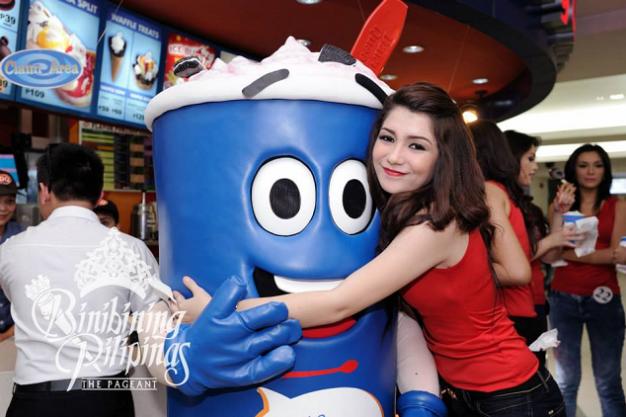 Binibini 37 Vanessa Saliba hugging the Dairy Queen mascot
