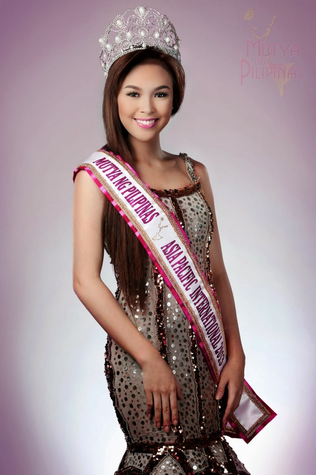 Inspite of what's written on the sash, Koreen Medina was still our Miss Intercontinental rep last year.
