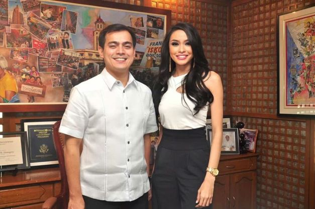 Binibini 1 Julian Aurine Flores from the City of Manila with her Vice-Mayor Isko Moreno.