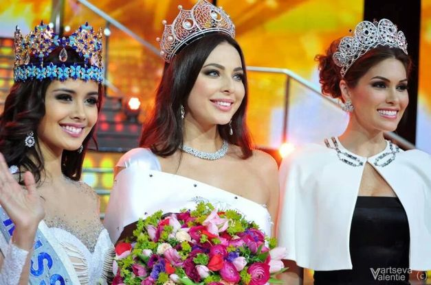 (L-R) MW2013 Megan Young, Miss Russia 2014 Yulia Alipova and MU2013 Maria Gabriela Isler after the crowning.