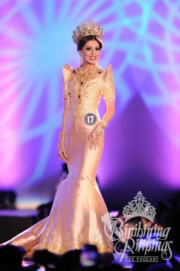 Binibini 17 Diana Arevalo in an Odelon Simpao creation. (Photo credit: Bruce Casanova for Bb. Pilipinas)