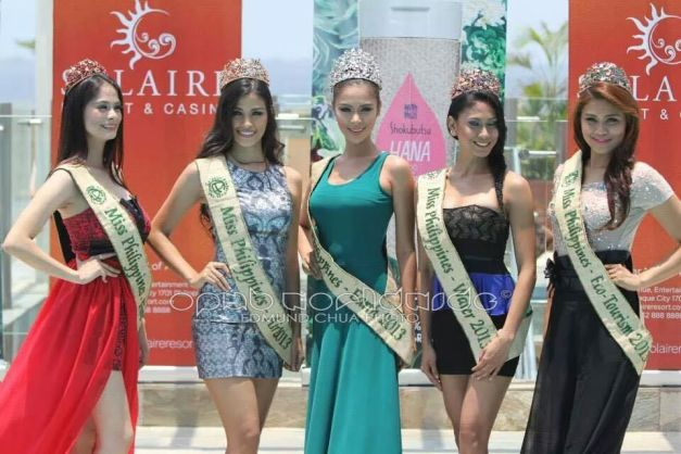 """The reigning titleholders led by MPE2013 Angelee delos Reyes in center (Photo credit: Edmund Chua)"