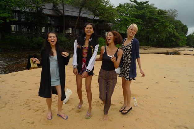 Bonding on the beach (L-R) Katarina Rodriguez and Jodilly Pendre of the Philippines, mentor Joey Mead King and Sheena of Malaysia