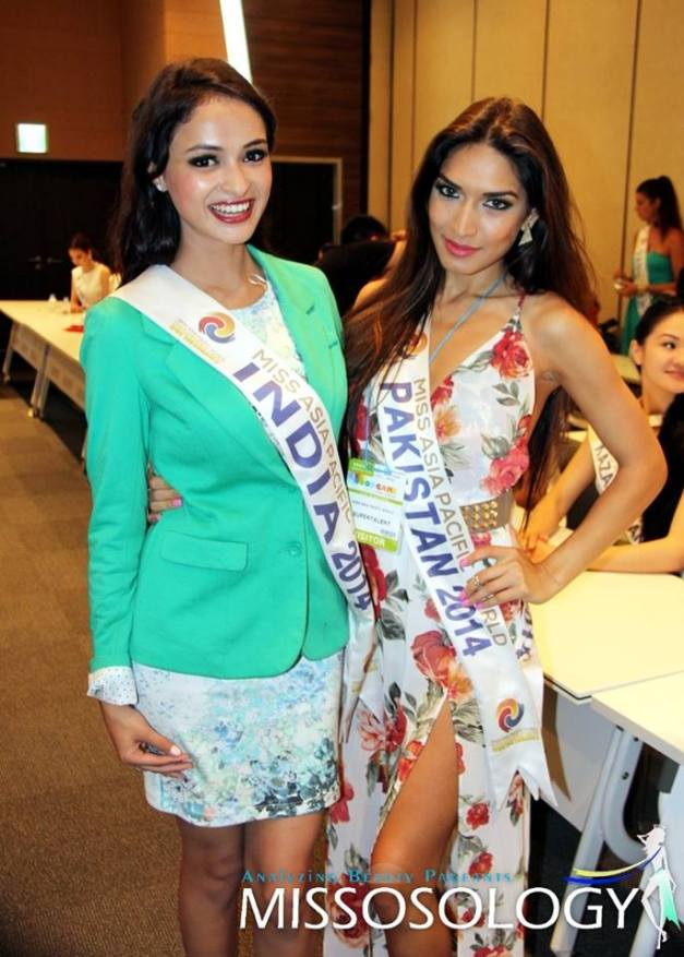 Miss India Anukriti Gusain and Miss Pakistan Shanzay Hayat