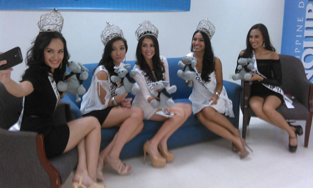 Five of the 7 Bb. Pilipinas 2014 Queens (L-R): Kris Janson, Bianca Guidotti, MJ Lastimosa, Parul Shah and Hannah Sison visited the offices of the Philippine Daily Inquirer for an interview.