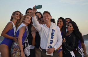 Mr. World 2014 Nicklas Pedersen (center) helped judge the Beach Beauty and Top Model segments of Miss Mundo Brasil 2014.