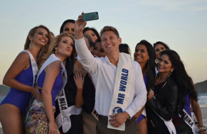 Mr. World 2014 Nicklas Pedersen (center) helped judge the Beach Beauty and Top Model segments of Miss Mundo Brasil 2014.