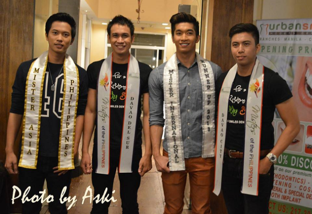 Bap (2nd from left) and Jett (first from right) pose with Mr. Asia Philippines 2014 Mark Christian Galang (extreme left) and Mr. International Philippines 2013 Gil Wagas Jr. (Photo credit: Aski/Events2Images)