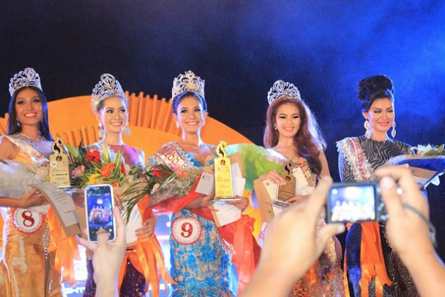 Winners all (left to right): 3rd Runner-Up Sarah Christine Bona, 1st Runner-Up Jian Salazar, Miss Bicolandia 2014 Casey Ann Austria, 2nd Runner-Up Louise Pauline Resoles and 4th Runner-Up Meryl Angeline King (Photo: Alfredo Imperial Perdon/GNN)