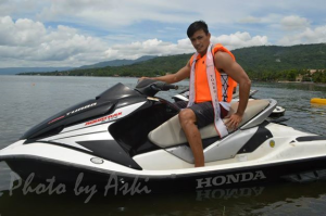 Neil will attempt to jet-ski his way to the top (Photo credit: Aski)