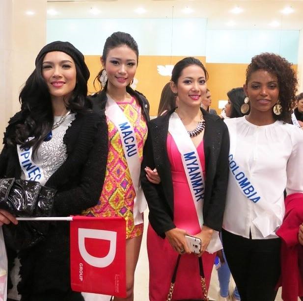 Miss Philippines Bianca Guidotti (leftmost) with some of her Group D-mates from Macau, Myanmar and Colombia.