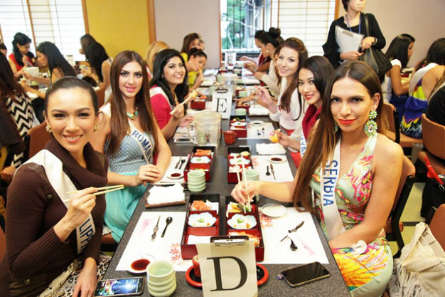 Miss Philippines Bianca Guidotti (left) enjoying her sushi dinner with the ladies.