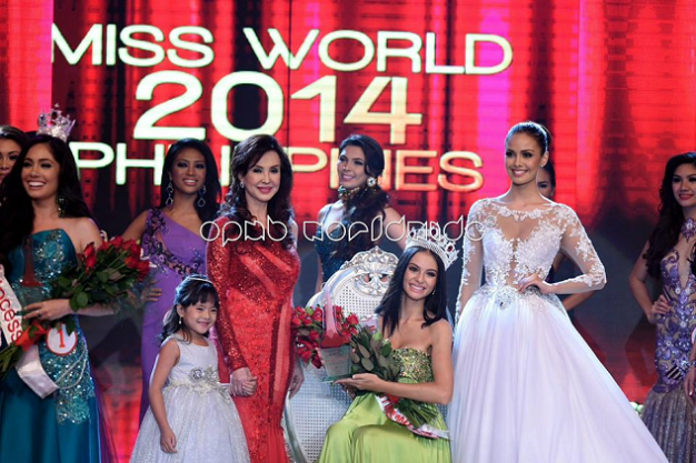 (Left to right): A beaming Cory Quirino, a happy Valerie Weigmann and a satisfied Megan Young. The little girl holding on to Ms. Cory is GMA child actress Chlaui Malayao (Photo credit: OPMB Worldwide)