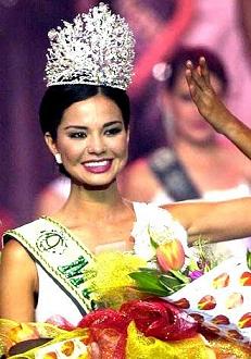 Dania during her coronation
