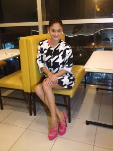 Pia Wurtzbach is another one of the shoe muses of Jojo Bragais