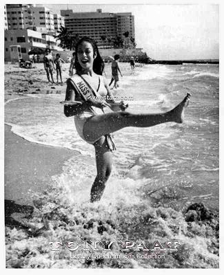 It took Miss Universe 1969 Gloria Diaz five years to finally splash her way from pageantry to movies (Photo credit: Tony Paat)