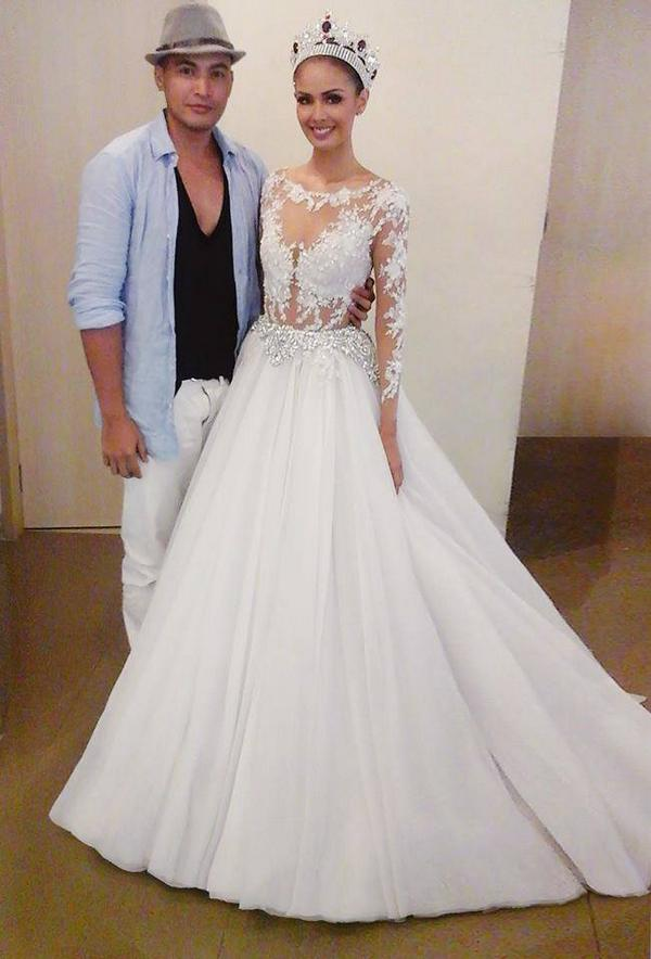 Sunday specials leo almodal dresses up our queens and how for Wedding dress rental san jose