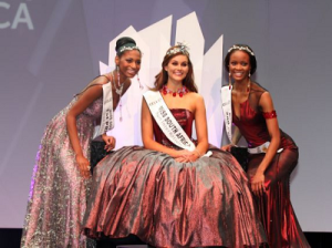 Ziphozakhe (left) during the Miss South Africa 2014 finals won by Rolene Strauss (middle).