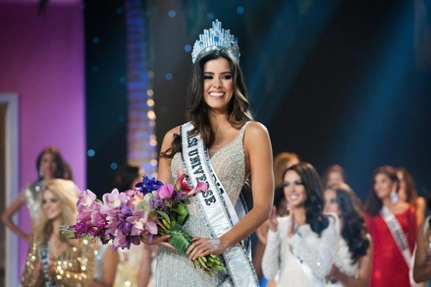 Paulina Vega becomes only the 2nd Colombian to win the Miss Universe crown