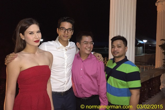 During the pre-judging with some of my fellow judges (left to right): Miss Air 2013 Stephany Stefanowitz, Century Tuna Superbods 2nd Runner-Up Laurens Tolenaars, yours truly and TV5 Program Manager Ryan Benitez