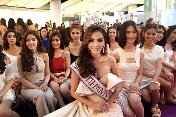 Miss Tiffany's Universe 2014 Nissa Katerahong poses with some of the candidates gunning for qualification as candidates in this year's edition of the same.