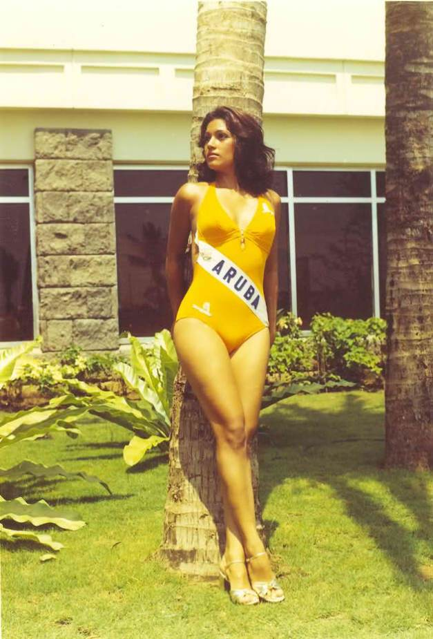 Miss Aruba Maureen Ava Vieira photographed in swimsuit during the Miss Universe 1974 Press Presentation at the Philippine Village Hotel, the official residence that year (Photo credit: historiademiss.blogspot.com)