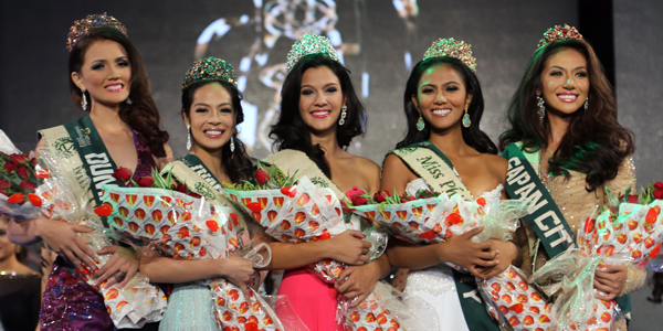 Miss Philippines Earth 2014 Jamie Herrell and her proclaimed court last year