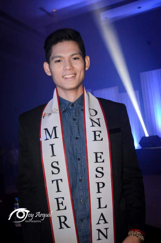 Mister One Esplanade 2015 AR dela Serna will soon find out who will become his Ms. Esplanade Philippines 2015 this Friday night (Photo credit: Joy Arguil)