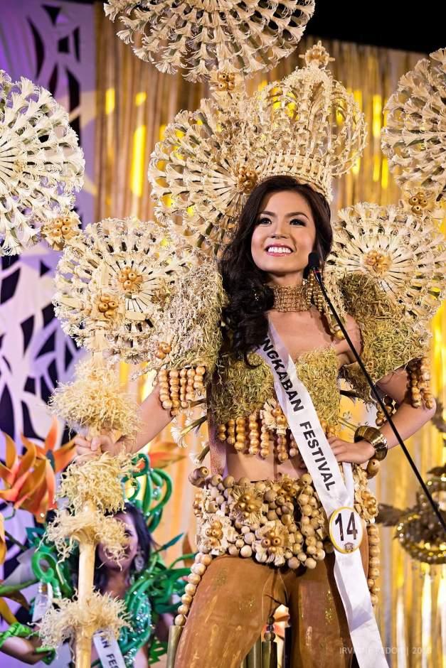 Vianca Louise Marcelo as Singkaban Festival Queen of Reyna ng Aliwan 2015
