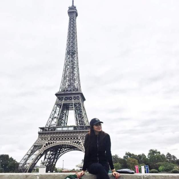Ara Arida in front of the Eiffel Tower