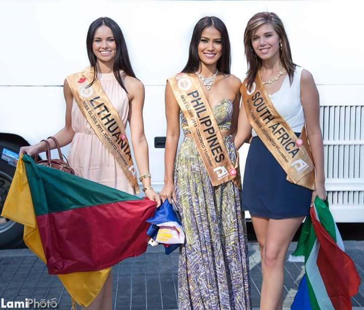 Miss globe 2015 normannorman page 3 ann middle at dundas square with misses lithuania and south africa publicscrutiny Choice Image