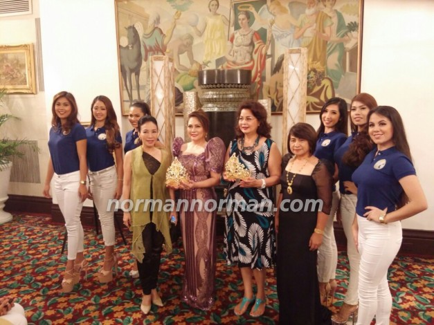Miss Republic of the Philippines 1976 Joy Conde (5th from right) helped present the new crowns