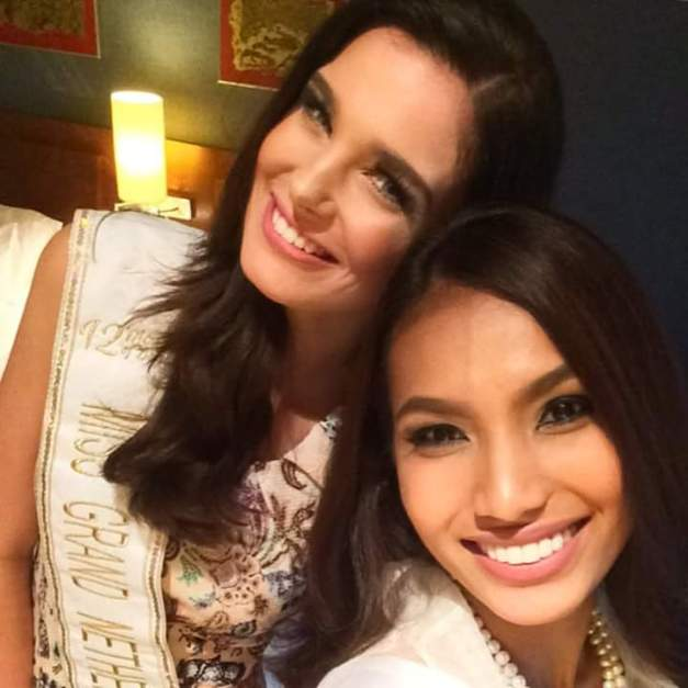 Miss Netherlands Shauny Bult (left)  and Miss Philippines Parul Shah do a selfie before calling it a first night in Bangkok