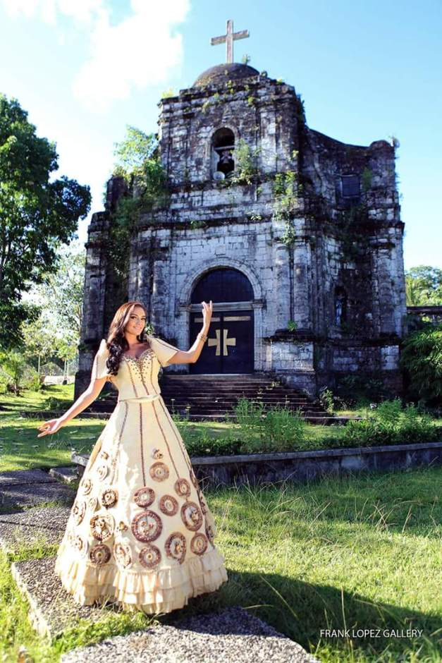 Mia Allyson Howell for Catanduanes in Miss World Philippines 2015