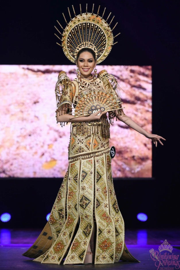 Sunday Specials: The Top 10 in National Costume of Bb